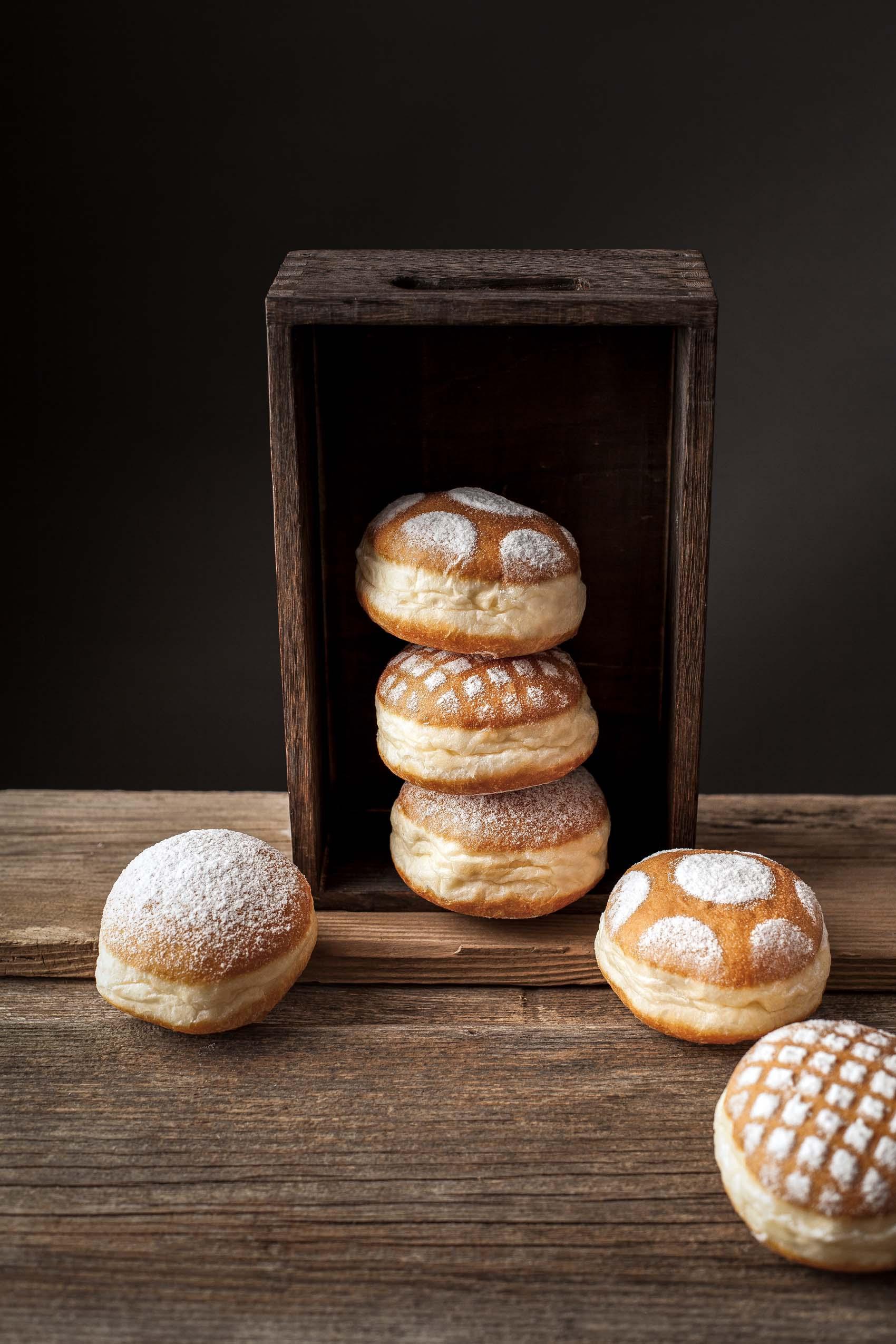 Krapfen mit Marmelade gefüllt, frisch aus der Backstube von Bäckerei Back Mayr
