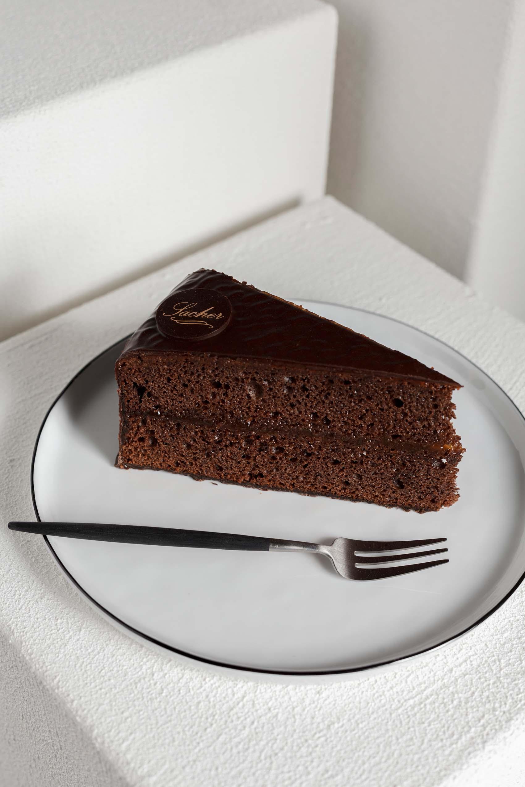 Produktfotos ausgesuchter Torten und Kuchen der Konditorei Brommler