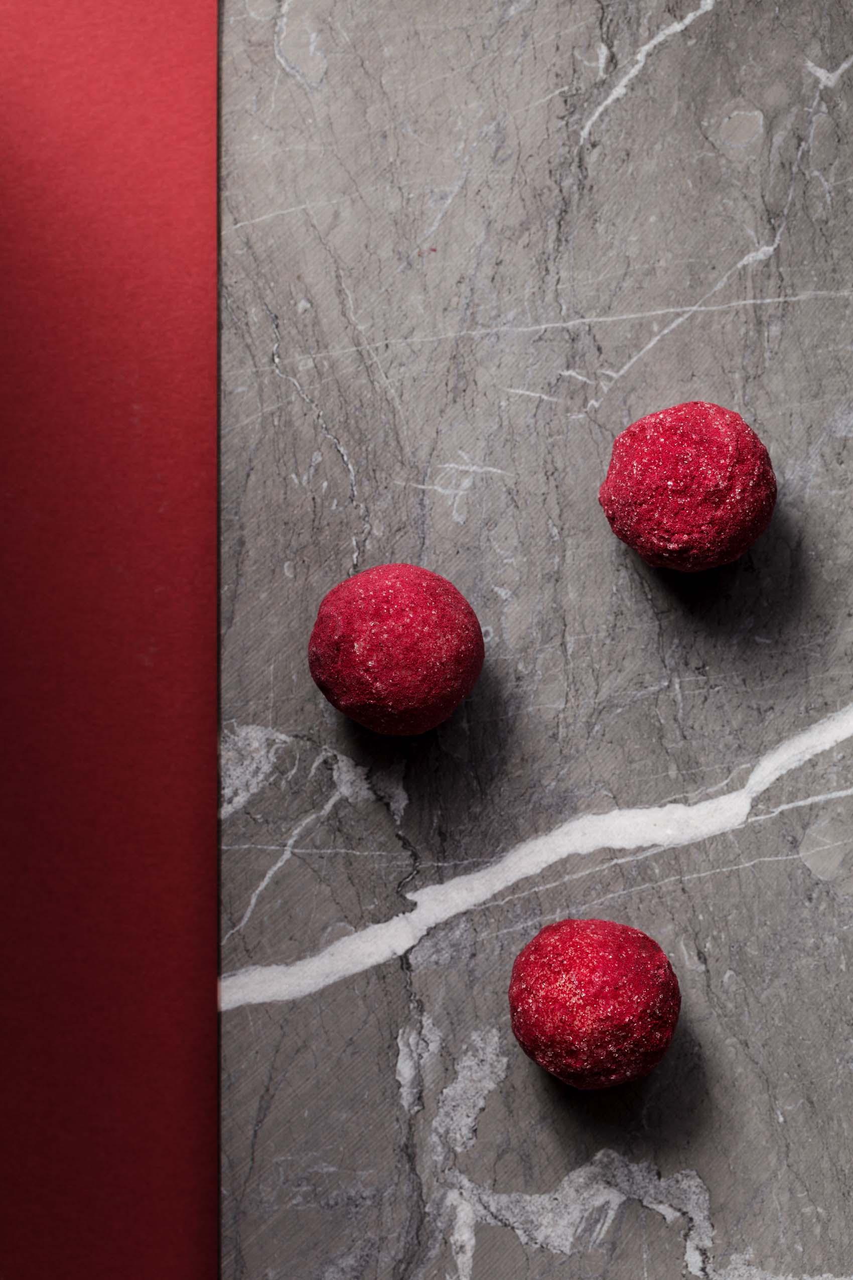 Fotodesign zarter Pralinen aus der Manufaktur der Konditorei Brommler Memmingen