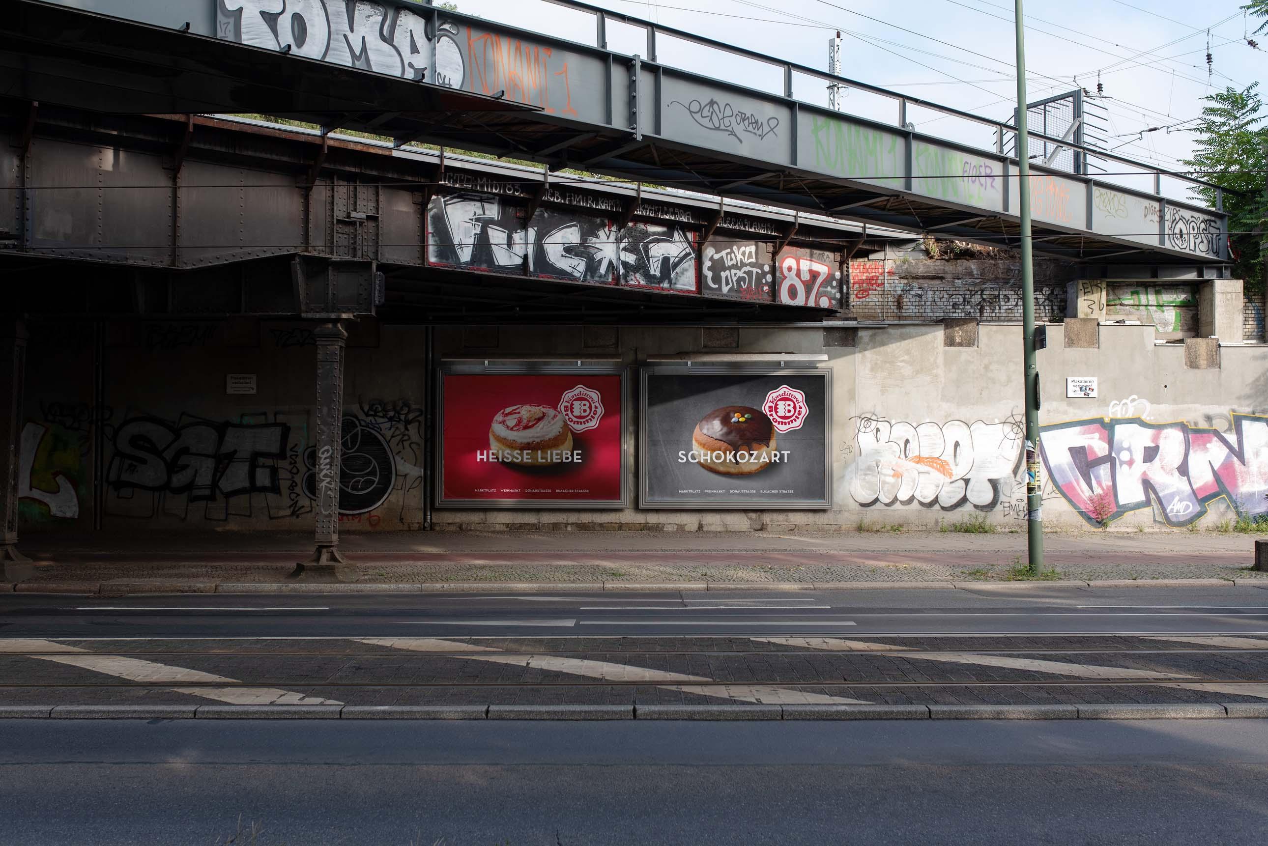 Außenwerbung mit großen Plakaten und starken Image-Motiven